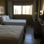Excelente hotel, habitaciones cómodas, el desayuno bueno, variedad de opciones, personal muy ama