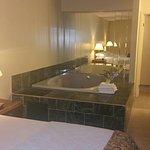 Universal Inn & Suites