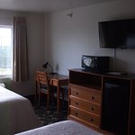 Grand View Inn and Suites: our guestroom