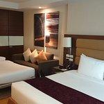 Photo de Legacy Suites Sukhumvit by Compass Hospitality