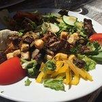 Salade de foie de volaille & entrecôte