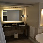 Grand Luxury Ocean Front Jnr Suite (467)