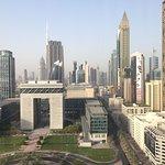 Photo de Jumeirah Emirates Towers