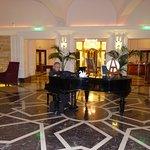 Hotel Phoenicia Photo