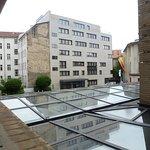 Ausblick vom Balkon in Richtung Innenhof