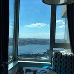 Hotel ra2e3 👌 بكل معنى الكلمة  كل شي في رائع موقعه ممتاز،فطوره ممتاز و موظفيه لبقين و محترمين ج