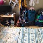 Como se puede apreciar dos futones no saben en su habitación para dos personas, una estafa en to