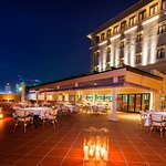 Colombo's quintessential alfresco dining experience.