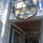 Smiley's Schooner Saloon and Hotel Foto