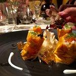 Maki de crabe, thon et saumon, gelée de bouillabaisse, raifort et wasabi, pommes granny smith