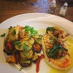 Calamarissteak auf Kartoffel-Pfannen-Gemüse