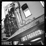 Foto de The Two Parrots Perch and Grill