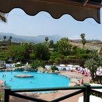 Photo de diverhotel Tenerife Spa & Garden