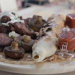 Мы любим своих гостей. Поэтому готовим только из отборных продуктов - для вас !