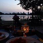 Cenetta romantica con panorama sul lago al tramonto ❤️