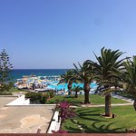 Photo de Mitsis Rinela Beach Resort & Spa