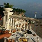 Terrazza colazione, spiaggia hotel, panorama visto da un angolo della piscina