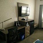 Photo de BEST WESTERN PLUS Carlton Plaza Hotel