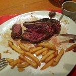Voici une côte de bœuf bien cuite , selon ce restaurant