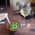 Un poquito de pasta con verduras para acompañar el Ribeiro.