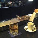 Un petit verre au bar !!