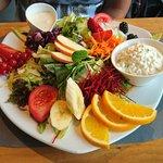 Club Sandwich und Salat Variation
