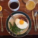 Had brunch with some friends. It was perfect. The place. The food. One of the best places to bru