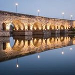 roman-bridge-over-river-guadiana-city-merida-night-view-monument-50373910_large.jpg
