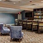DoubleTree Decatur Riverfront Hotel Restaurant Twist Grill & Bar