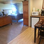 Detroit Harbor Room..2 queen beds, private bathroom (with walk in shower) walk out patio.