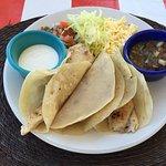Photo de Teo Restaurant Bar And Grill