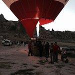 Daha önce de balon turu yapmış biri olarak kesinlikle öneriyorum. Pilot Abdullah Bey'e ve Kadir