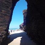 Acantilado al final de la playa, pata de elefante