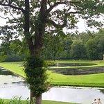 les superbes jardins et leurs lacs