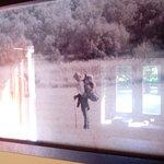 Foto, con juego de reflejos, de la pelicula The Way. Alguna de las escenas se rodaron en esta ca