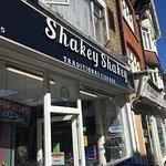 Photo de Shakey Shakey Fish Bar