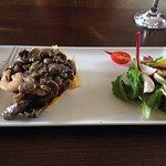 Starter, crisp filo case filled with mushrooms & prawns