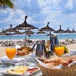 Sur demande j'ai pu faire la surprise à mon épouse, un petit déjeuner au bord de mer