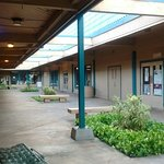 I am here at old lahaina gateway by Maui Tacos, and i am charging my phone so that I can take pi
