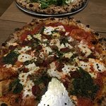meatball and arugula pizza - meat ball rocked !