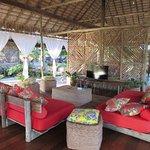 Lounge (sala de jogos e TV) - Não tem TV no bangalô !!! Sossego total...perfeito!