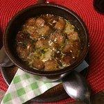 la sopa de ajo impresionante y el salmón con verduras me ha gustado mucho aunque un minuto quizá