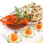 Фирменный салат Тройка
