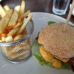 Regular cheeseburger with extra bacon