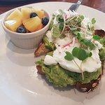 Avocado benedict on toast