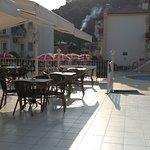 Foto de Karbel Beach Hotel