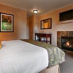 Fireplace Deluxe Suite