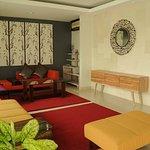 Photo de Santosa City Hotel