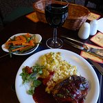 Duck breast with cheesy mashed potatoes