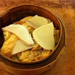 Steamed abalone mushroom with bean curd skin